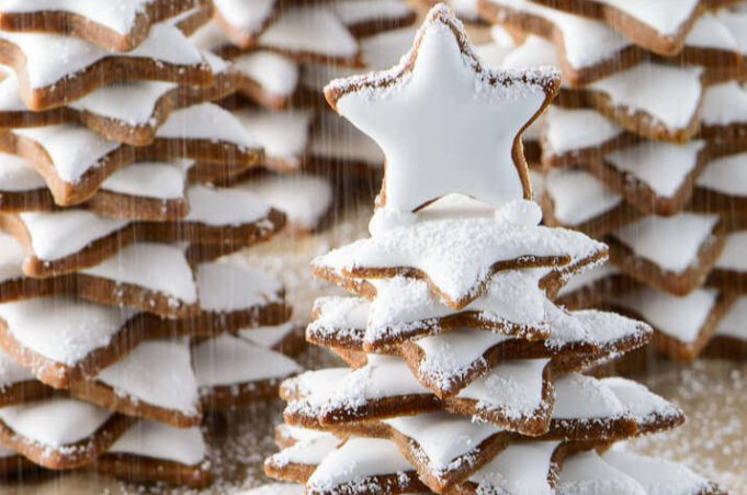 snowy gingerbread christmas trees - Gingerbread Christmas Tree